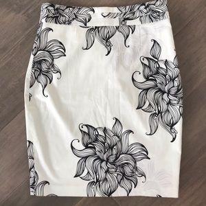 Club Monaco Black/White Straight Pencil Skirt Sz10